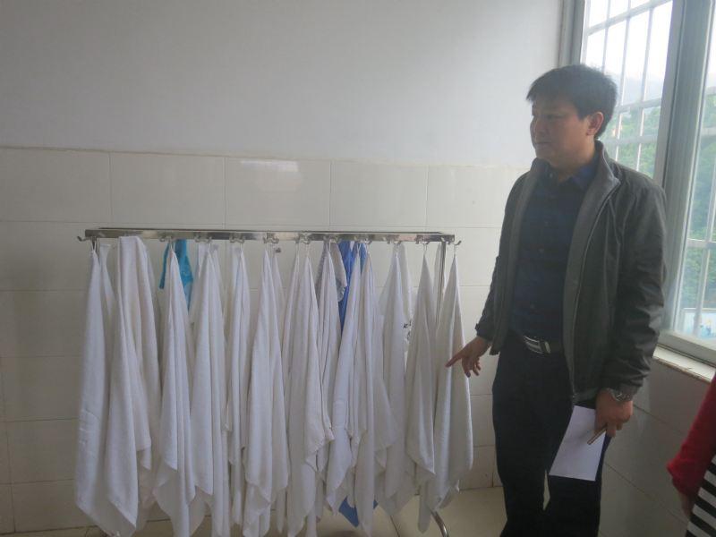 加美初中部宿舍卫生检查-加美新闻-广东肇庆加美学校图片